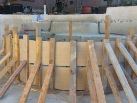Cabo-swim-out-bench-formed-for-pour.